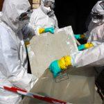 Die Betriebshaftpflichtversicherung von Bauhandwerkern sollte auch die Mitversicherung von Asbestschäden enthalten.